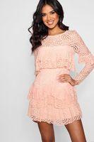 vestido de skater de top con volante de encaje de boutique rosa palido