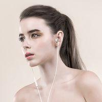 1more auriculares con doble conductor dinamicos con estilo en la oreja
