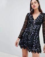 Vestido de encaje con cremallera Ondria de To Be Adored