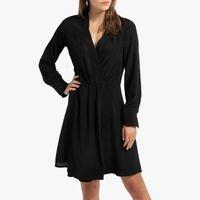 vestido corto de efecto cruzado y manga larga